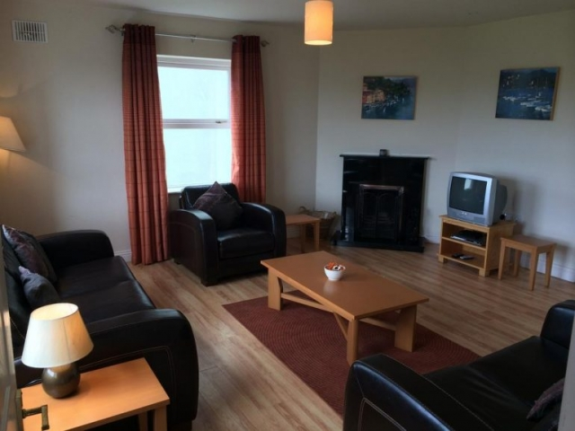Doolin Village Lodges lounge 3