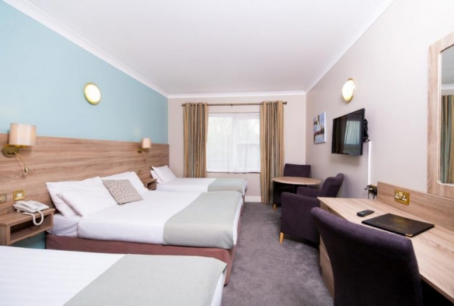 west county hotel  ennis triple room