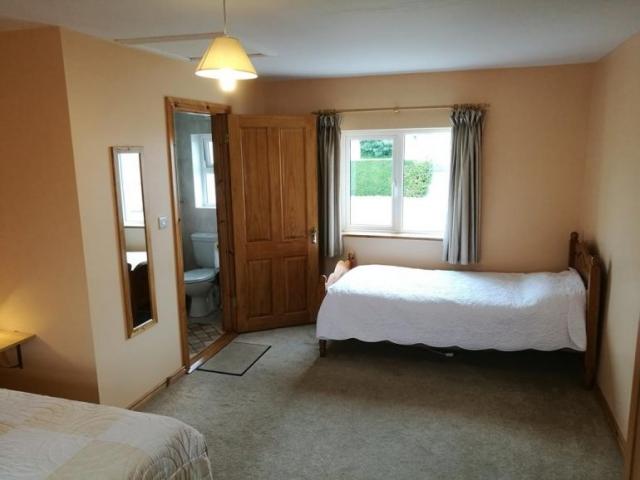 Danubio Doonbeg self catering accommodation bedroom 2
